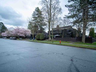 """Photo 15: 15 3220 ROSEMONT Drive in Vancouver: Champlain Heights Townhouse for sale in """"ASPENWOOD II"""" (Vancouver East)  : MLS®# R2566303"""