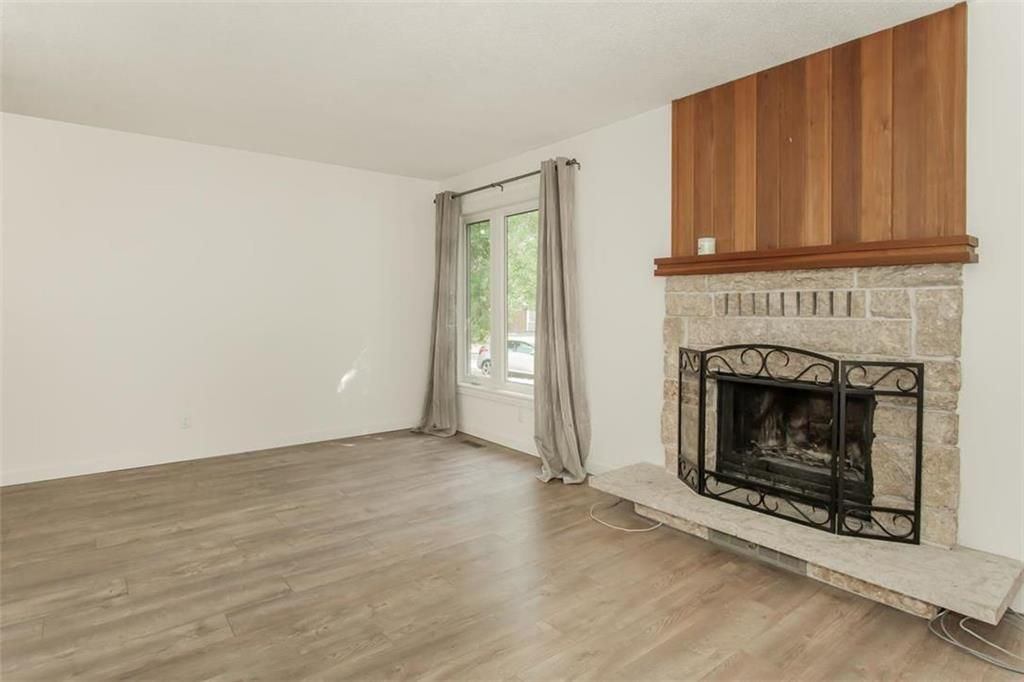 Photo 3: Photos: 31 Lamirande Place in Winnipeg: Richmond Lakes Residential for sale (1Q)  : MLS®# 202119515