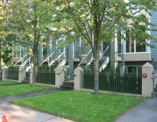 Main Photo: 906 W 14TH AVENUE in : Fairview VW Townhouse for sale : MLS®# V754153