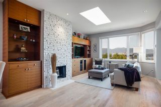 "Photo 2: 11 1620 BALSAM Street in Vancouver: Kitsilano Condo for sale in ""Old Kits Townhomes"" (Vancouver West)  : MLS®# R2484749"