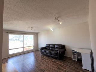Photo 4: 911 Whitehill Way NE in Calgary: Whitehorn Detached for sale : MLS®# A1118119