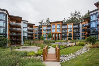"""Photo 33: 415 14855 THRIFT Avenue: White Rock Condo for sale in """"The Royce"""" (South Surrey White Rock)  : MLS®# R2538329"""