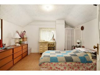 """Photo 6: 2336 CHARLES Street in Vancouver: Grandview VE House for sale in """"Commercial Drive"""" (Vancouver East)  : MLS®# V1011947"""