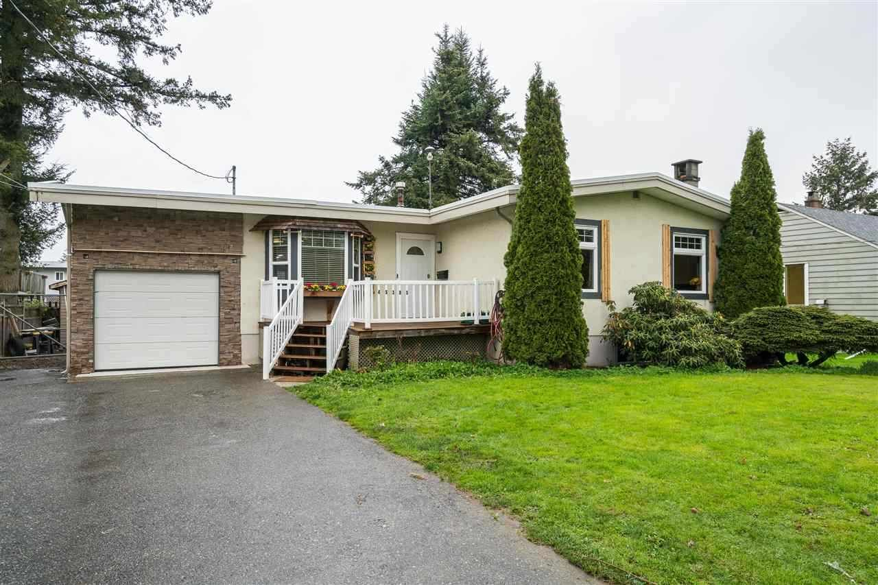 Main Photo: 45385 CRESCENT Drive in Chilliwack: Chilliwack W Young-Well House for sale : MLS®# R2561900