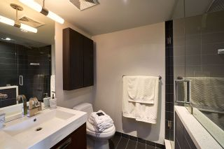 """Photo 10: 1809 1055 RICHARDS Street in Vancouver: Downtown VW Condo for sale in """"DONOVAN"""" (Vancouver West)  : MLS®# R2119391"""