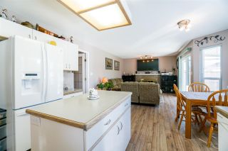 """Photo 6: 6080 185B Street in Surrey: Cloverdale BC House for sale in """"Eagle Crest"""" (Cloverdale)  : MLS®# R2260925"""