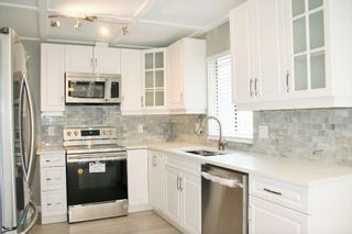 """Photo 10: 33358 4TH Avenue in Mission: Mission BC House for sale in """"Lane off Murray"""" : MLS®# R2252998"""