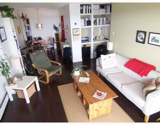 Photo 3: 403 209 CARNARVON Street in New_Westminster: Downtown NW Condo for sale (New Westminster)  : MLS®# V768547