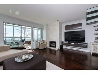 """Photo 3: 14843 MARINE Drive: White Rock Townhouse for sale in """"Marine Court"""" (South Surrey White Rock)  : MLS®# R2348568"""