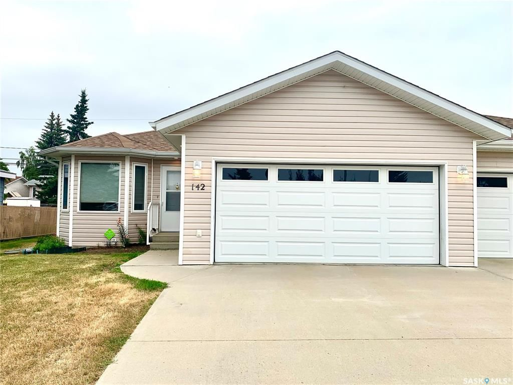 Main Photo: 142 16th Street in Battleford: Residential for sale : MLS®# SK864501