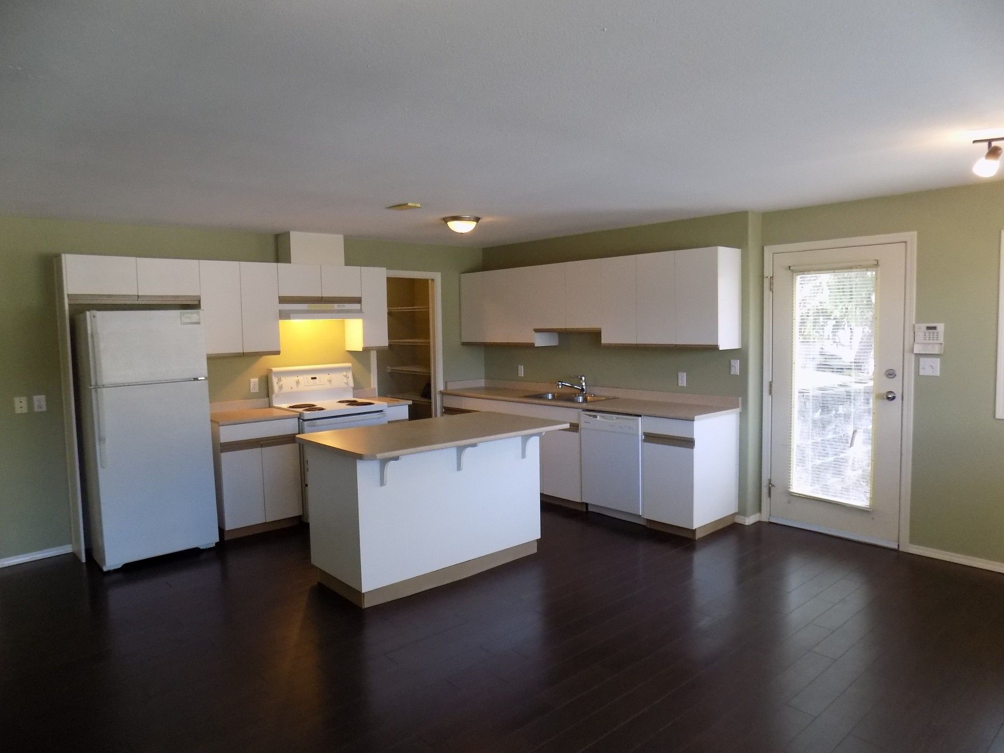 Main Photo: BSMT 36001 Empress Drive in Abbotsford: Abbotsford East Condo for rent