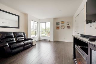 """Photo 5: 102 10688 140 Street in Surrey: Whalley Townhouse for sale in """"TRILLIUM LIVING"""" (North Surrey)  : MLS®# R2574722"""