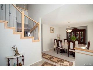 Photo 2: 33 Grantsmuir Drive in WINNIPEG: North Kildonan Single Family Detached for sale (North East Winnipeg)  : MLS®# 1403293