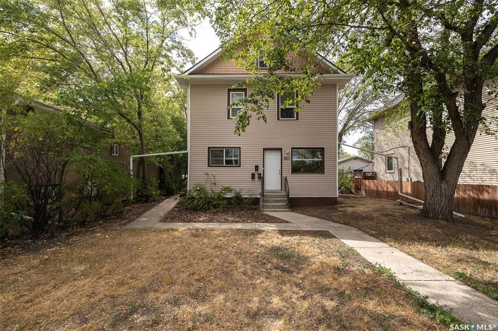 Main Photo: 921 7th Avenue North in Saskatoon: City Park Residential for sale : MLS®# SK866683