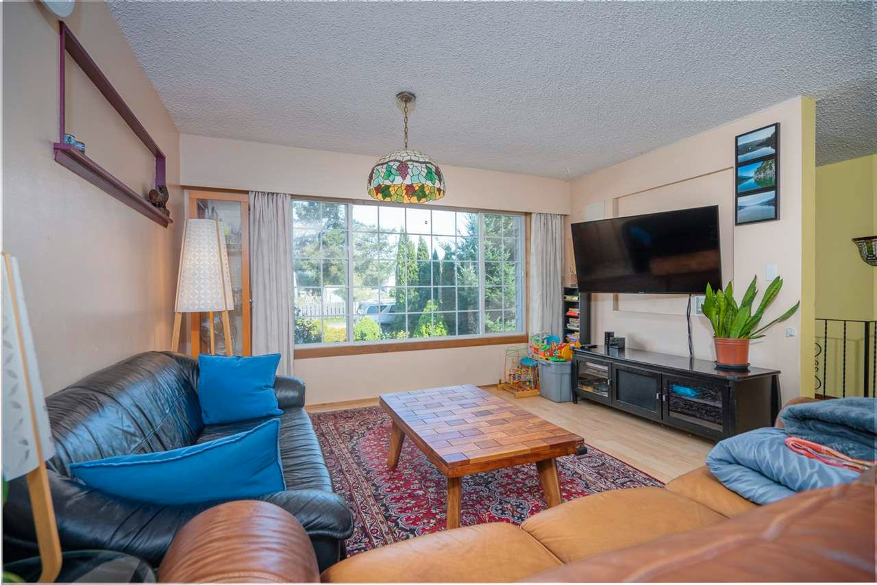 Photo 11: Photos: 32036 WESTVIEW Avenue in Mission: Mission BC House for sale : MLS®# R2568098