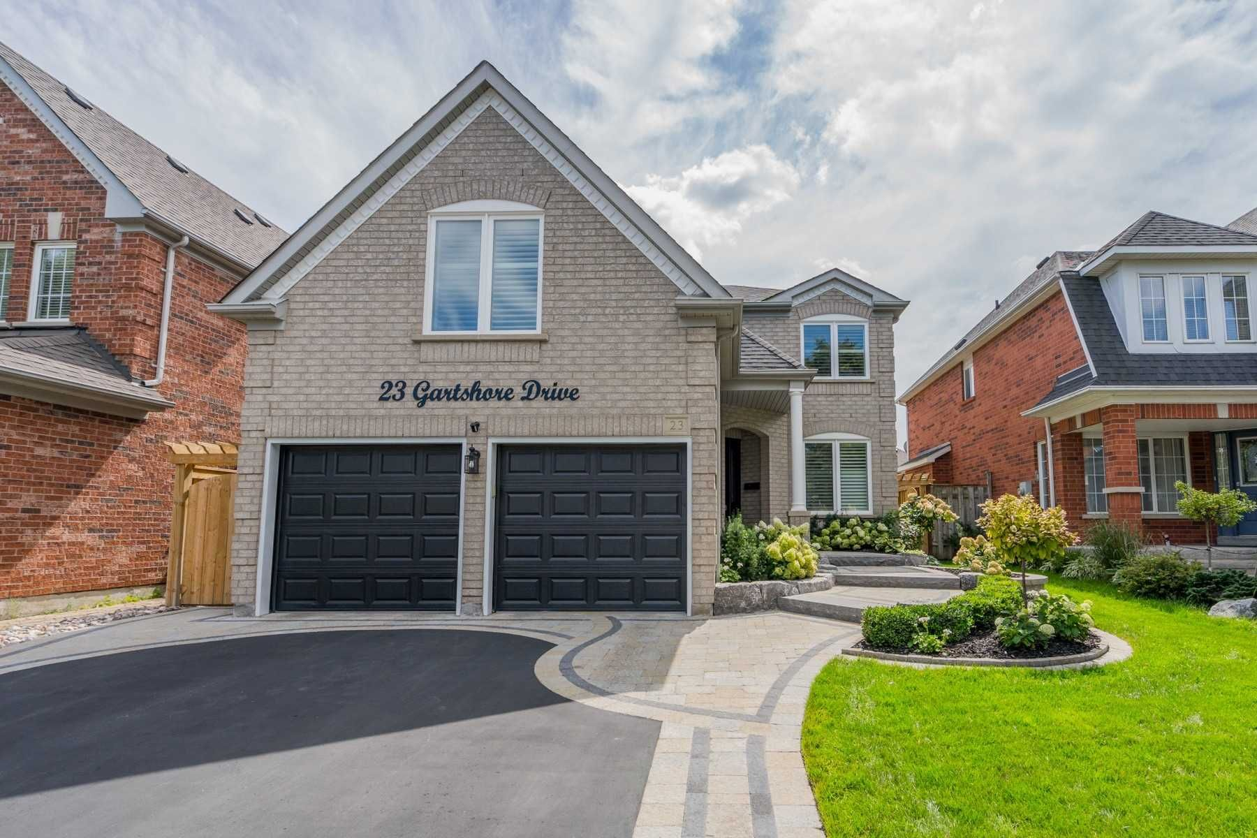 Main Photo: 23 Gartshore Drive in Whitby: Williamsburg House (2-Storey) for sale : MLS®# E5378917