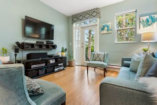 """Photo 4: 2 6033 168 Street in Surrey: Cloverdale BC Townhouse for sale in """"Chestnut"""" (Cloverdale)  : MLS®# R2617297"""