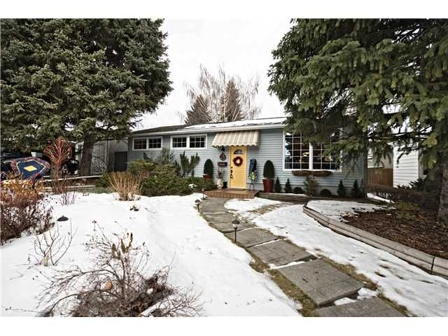 Main Photo: 2912 LINDSAY Drive SW in Calgary: Lakeview Residential Detached Single Family for sale : MLS®# C3645796