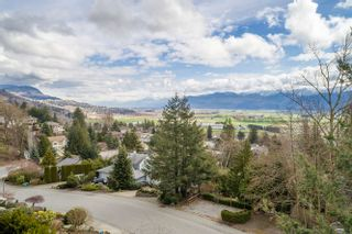 Photo 9: Abbotsford House for Sale 2271 Mountain Drive $774,900 5 Bedrooms 4 Bathrooms Basement Entry