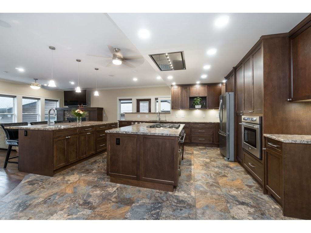 Photo 5: Photos: 11560 81A Avenue in Delta: Scottsdale House for sale (N. Delta)  : MLS®# R2520642