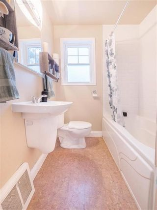 Photo 10: 1041 Manahan Avenue in Winnipeg: West Fort Garry Residential for sale (1Jw)  : MLS®# 202004056