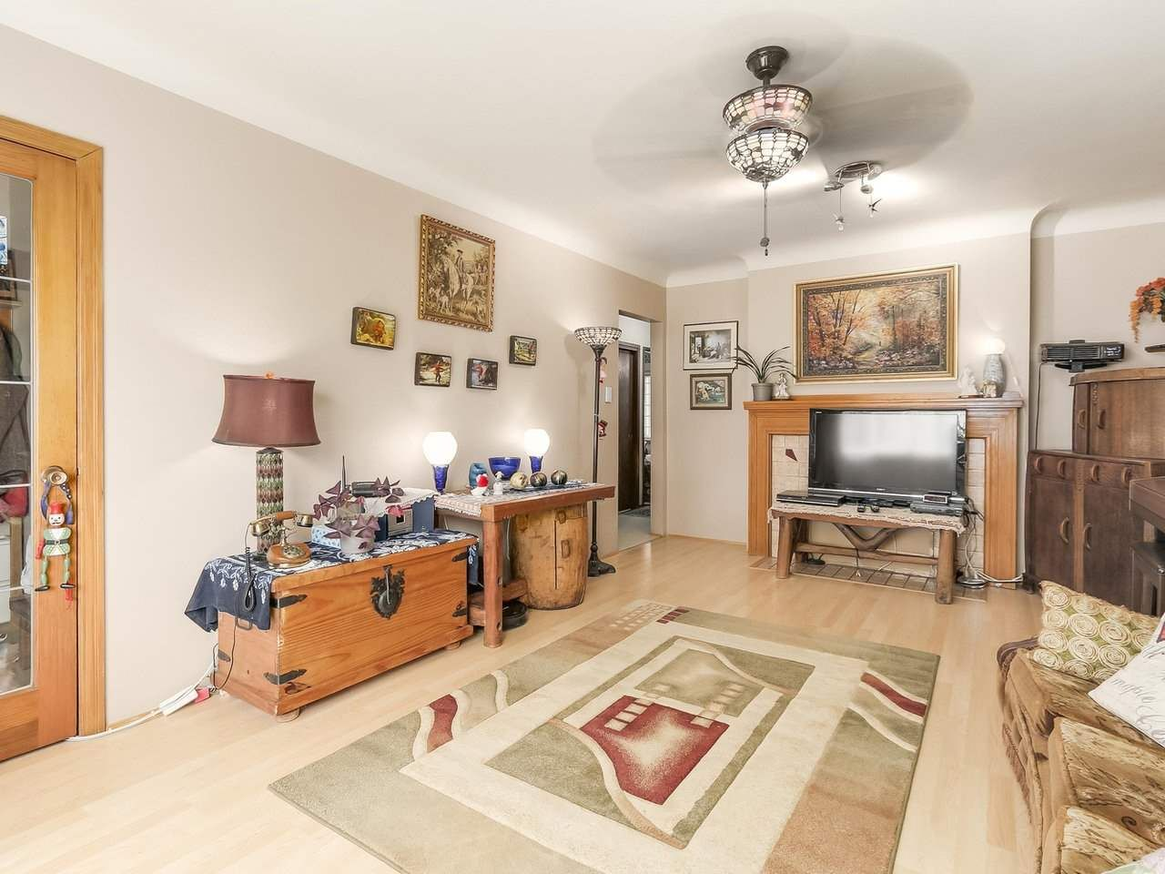 Photo 5: Photos: 165 E 55TH AVENUE in Vancouver: South Vancouver House for sale (Vancouver East)  : MLS®# R2297472