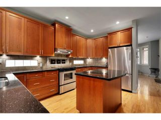 Photo 8: 2216 17A Street SW in Calgary: Bankview House for sale : MLS®# C4111759