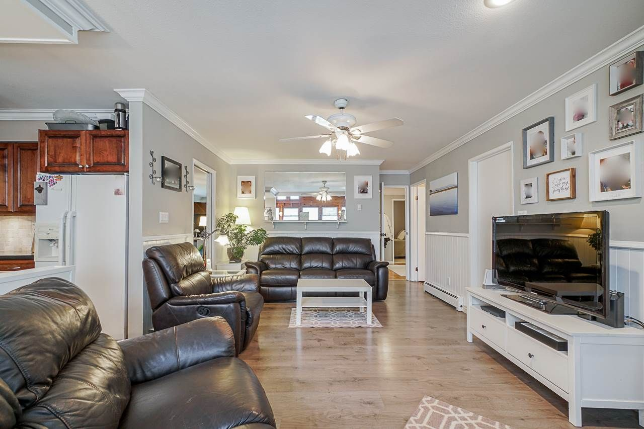 """Photo 5: Photos: 6240 STEVESTON Highway in Richmond: Gilmore House for sale in """"WESTWIND GREENHOUSES"""" : MLS®# R2510505"""