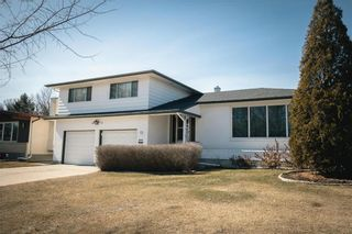 Photo 3: 63 Dickens Drive in Winnipeg: Residential for sale (5G)  : MLS®# 202107088