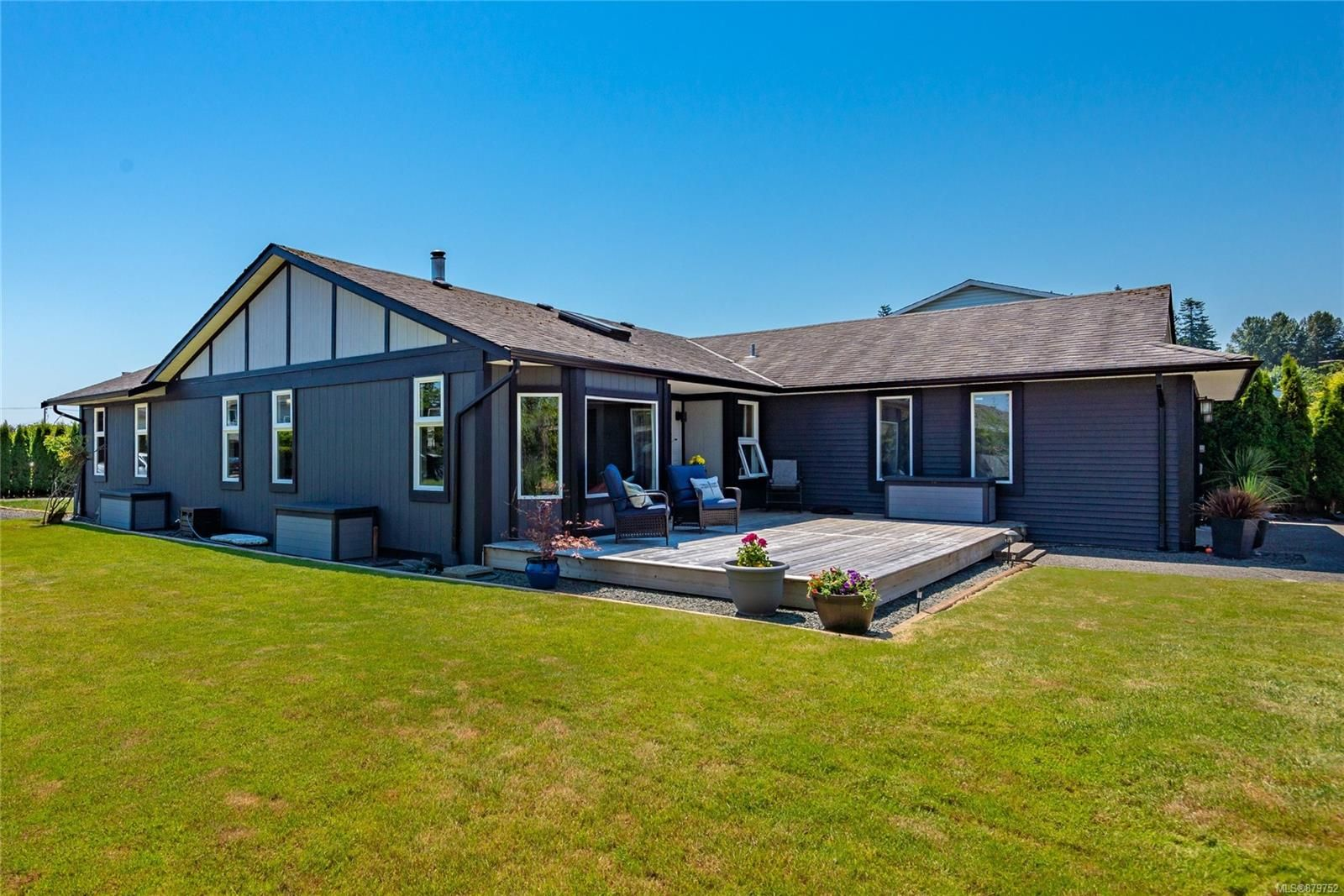 Main Photo: 141 Reef Cres in Campbell River: CR Willow Point House for sale : MLS®# 879752