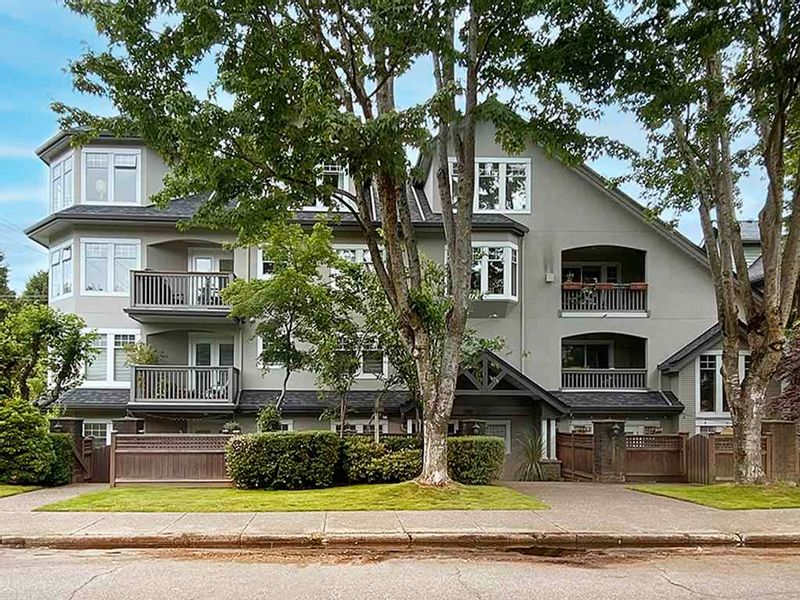 FEATURED LISTING: 401 - 1989 1ST Avenue West Vancouver