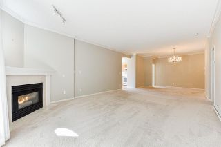 """Photo 21: 203 1705 MARTIN Drive in Surrey: Sunnyside Park Surrey Condo for sale in """"Southwynd"""" (South Surrey White Rock)  : MLS®# R2576884"""