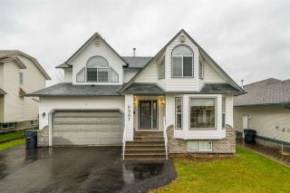 Photo 1: 6967 CHARTWELL Crescent in Prince George: Lafreniere House for sale (PG City South (Zone 74))  : MLS®# R2412778