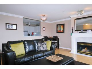 """Photo 2: 29 2378 RINDALL Avenue in Port Coquitlam: Central Pt Coquitlam Condo for sale in """"BRITTANY PARK"""" : MLS®# V922637"""