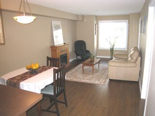 """Photo 1: 113 33960 OLD YALE Road in Abbotsford: Central Abbotsford Condo for sale in """"OLD YALE HEIGHTS"""" : MLS®# F2903317"""