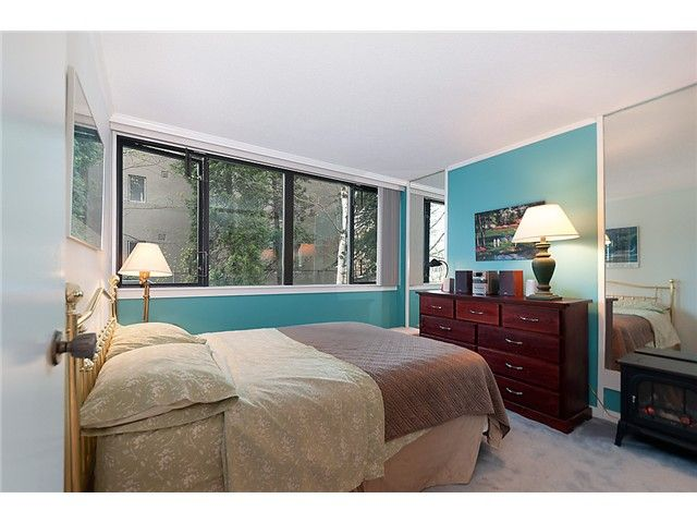 """Photo 6: Photos: 102 1740 COMOX Street in Vancouver: West End VW Condo for sale in """"THE SANDPIPER"""" (Vancouver West)  : MLS®# V945019"""