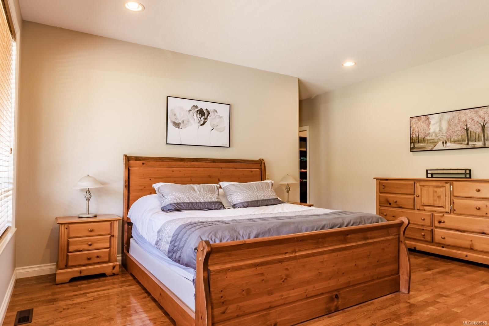 Photo 18: Photos: 2850 Peters Rd in : PQ Qualicum Beach House for sale (Parksville/Qualicum)  : MLS®# 885358