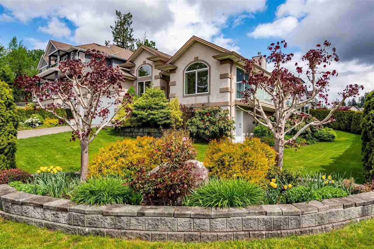 """Main Photo: 7978 WEATHERHEAD Court in Mission: Mission BC House for sale in """"COLLEGE HEIGHTS"""" : MLS®# R2579049"""