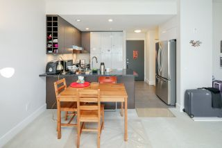 "Photo 9: PH2 3478 WESBROOK Mall in Vancouver: University VW Condo for sale in ""Spirit"" (Vancouver West)  : MLS®# R2360430"