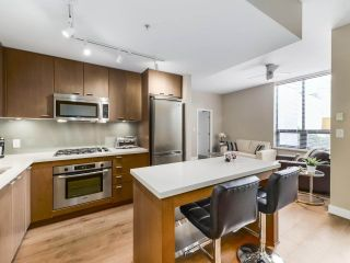 "Photo 4: 301 531 BEATTY Street in Vancouver: Downtown VW Condo for sale in ""METROLIVING"" (Vancouver West)  : MLS®# R2506076"