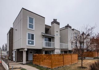 Main Photo: 406 13104 Elbow Drive SW in Calgary: Canyon Meadows Row/Townhouse for sale : MLS®# A1121104