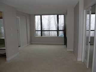 Photo 4: 302 9300 UNIVERSITY CRESCENT in Burnaby: Home for sale