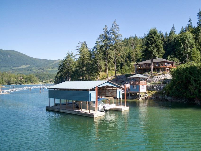 Main Photo: 12853 SUNSHINE COAST Highway in Sechelt: Pender Harbour Egmont House for sale (Sunshine Coast)  : MLS®# R2435860