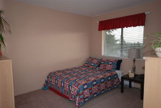 Photo 15: 7626 ARVIN Court in Burnaby: Simon Fraser Univer. House for sale (Burnaby North)  : MLS®# R2027897