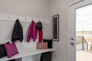 Photo 9: 116 Creekside Drive SW in Calgary: C-168 Semi Detached for sale : MLS®# A1060934