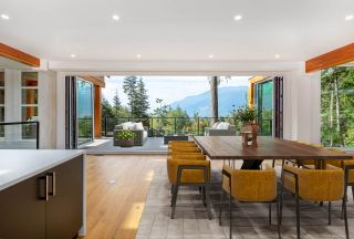 Photo 2: 989 COPPER Drive in Squamish: Britannia Beach House for sale : MLS®# R2543759