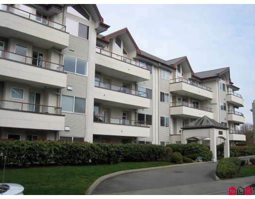 "Main Photo: 305 2526 LAKEVIEW Crescent in Abbotsford: Central Abbotsford Condo for sale in ""Millspring Manor"" : MLS®# F2810701"
