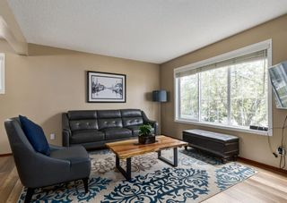 Photo 4: 20 Everridge Road SW in Calgary: Evergreen Detached for sale : MLS®# A1121337