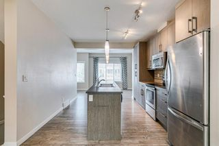 Photo 6: 227 Marquis Lane SE in Calgary: Mahogany Row/Townhouse for sale : MLS®# A1130377