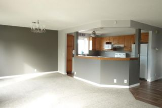 Photo 5: 35 Ranchlands Crescent NW in Calgary: Ranchlands Detached for sale : MLS®# A1115459